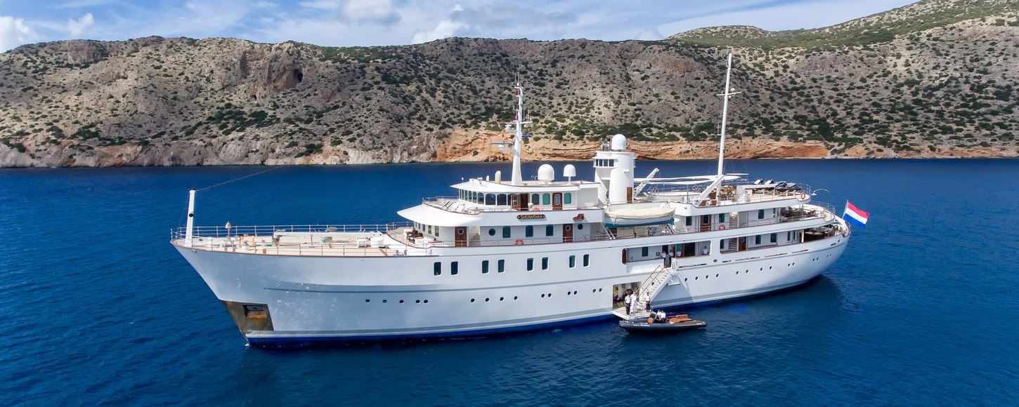 superyacht sherakhan at anchor in the south of france