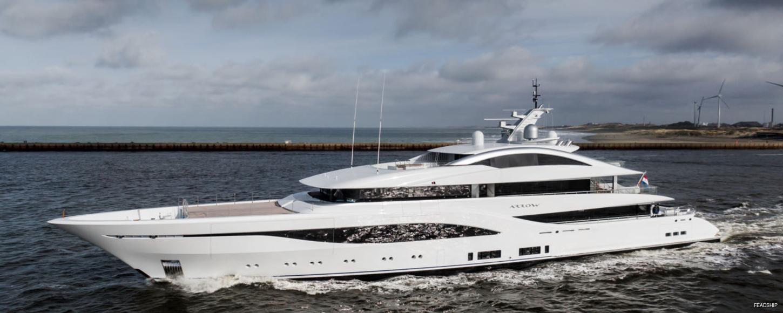 luxury yacht arrow