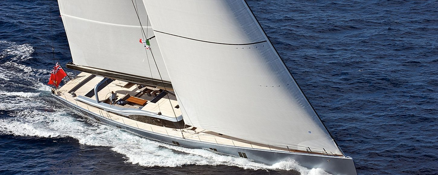 Charter yacht Sarissa sailing in French Polynesia