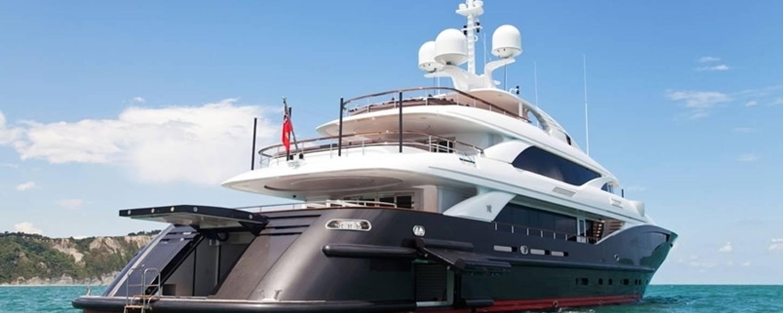 Beach club on board charter yacht Liberty