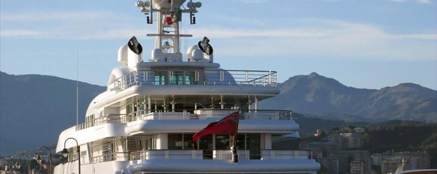 Charter yacht 'Pegasus VIII' in Genoa with new name plate