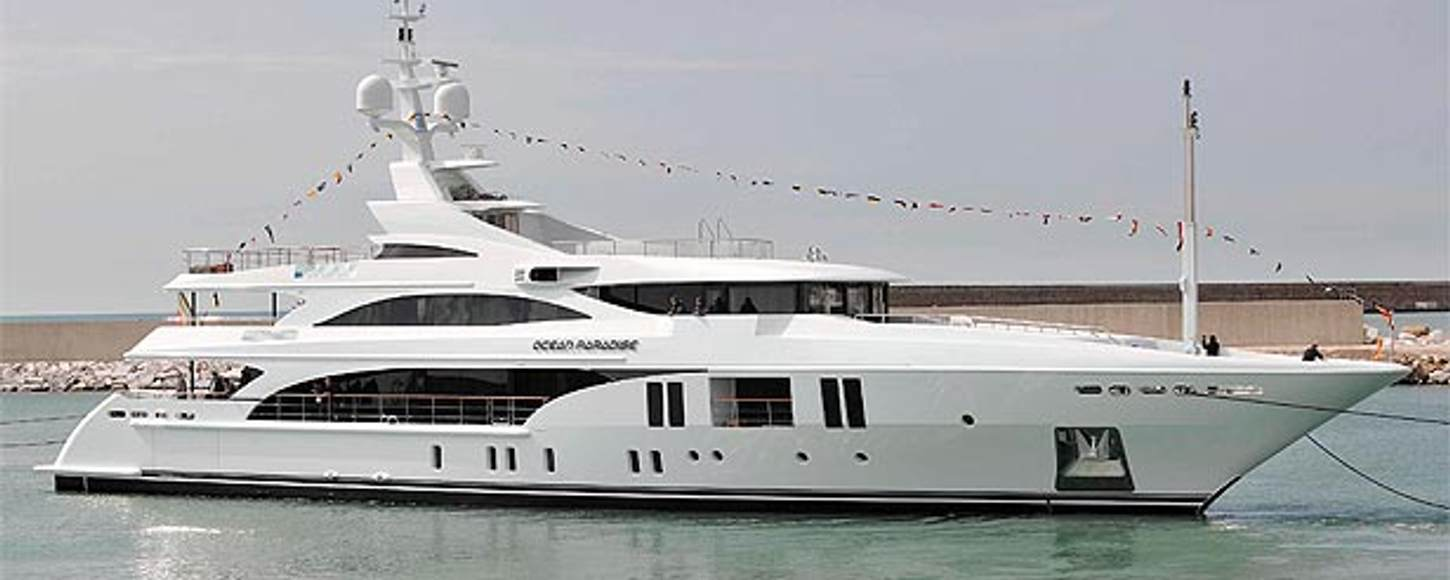 New charter yacht 'Ocean Paradise' at anchor
