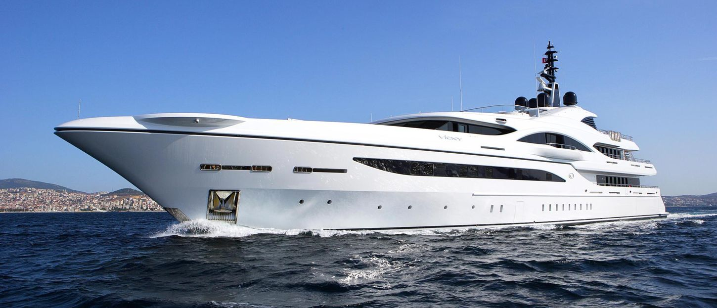 VICKY yacht review