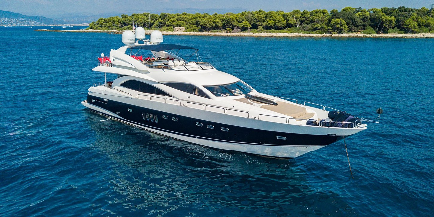 luxury yacht 'Excelerate Z' anchors on a South of France yacht charter