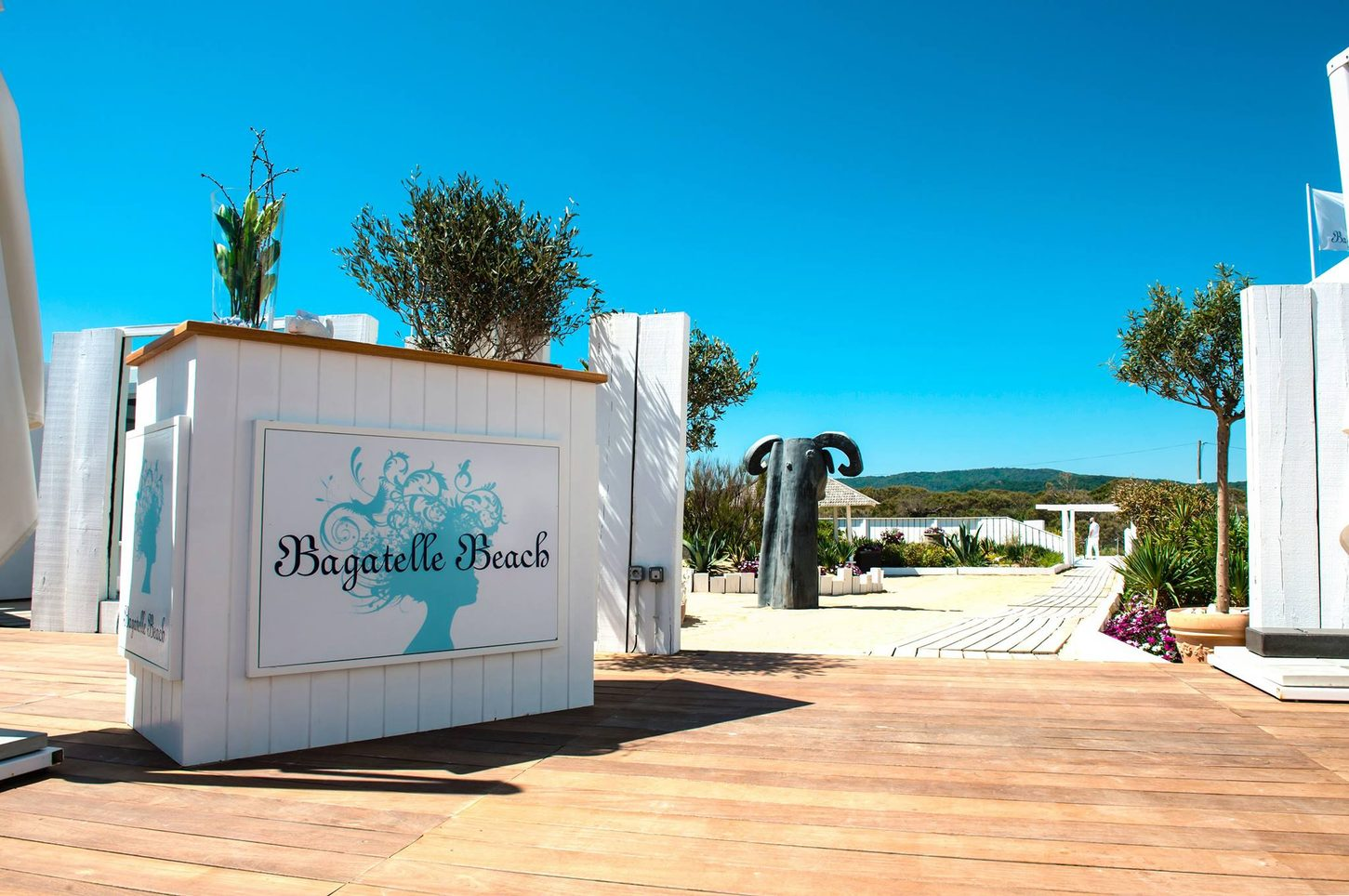 Bagatelle Beach Image 1