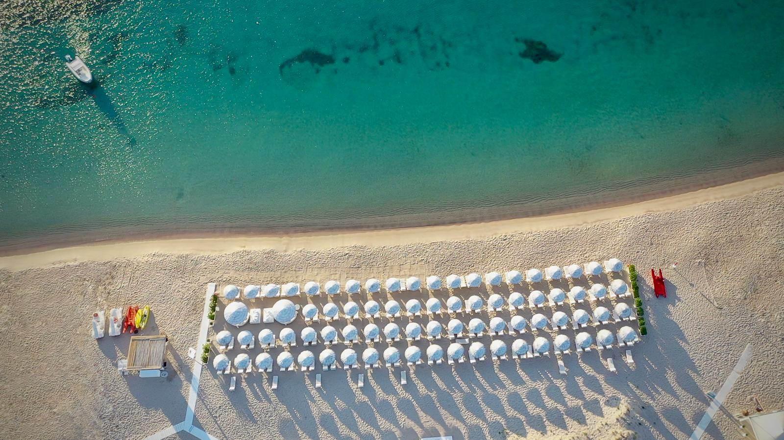White Beach Club Image 3