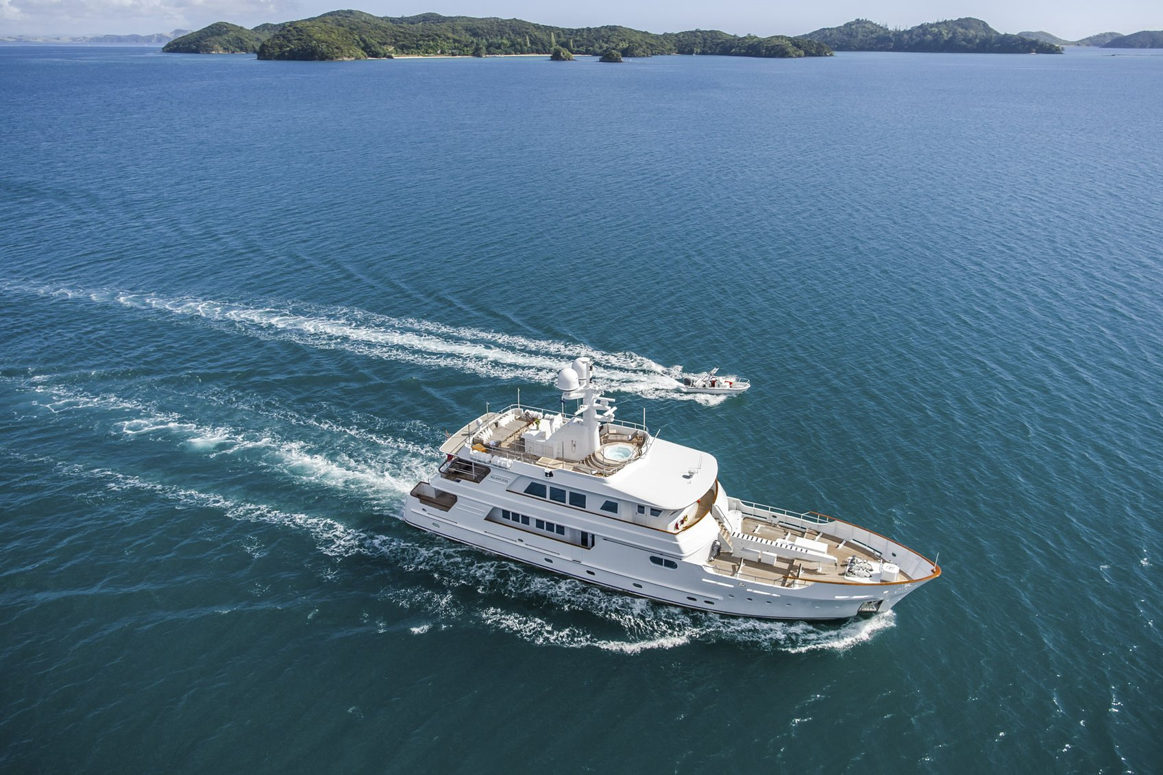 expedition yacht RELENTLESS cruising on a South Pacific yacht charter
