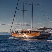 Stella Maris Charter Yacht