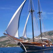 Lady Sovereign II Charter Yacht