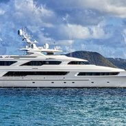 Victoria Del Mar Charter Yacht