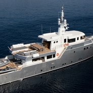 Obo Charter Yacht