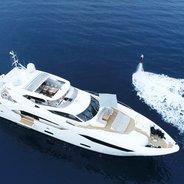 Maoro Charter Yacht