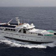 Lady Roxanne Charter Yacht
