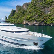 Xanadu of London Charter Yacht