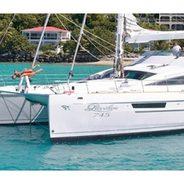 Sur L'eau Charter Yacht