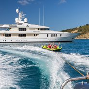 Hanikon Charter Yacht