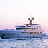 R23 Charter Yacht