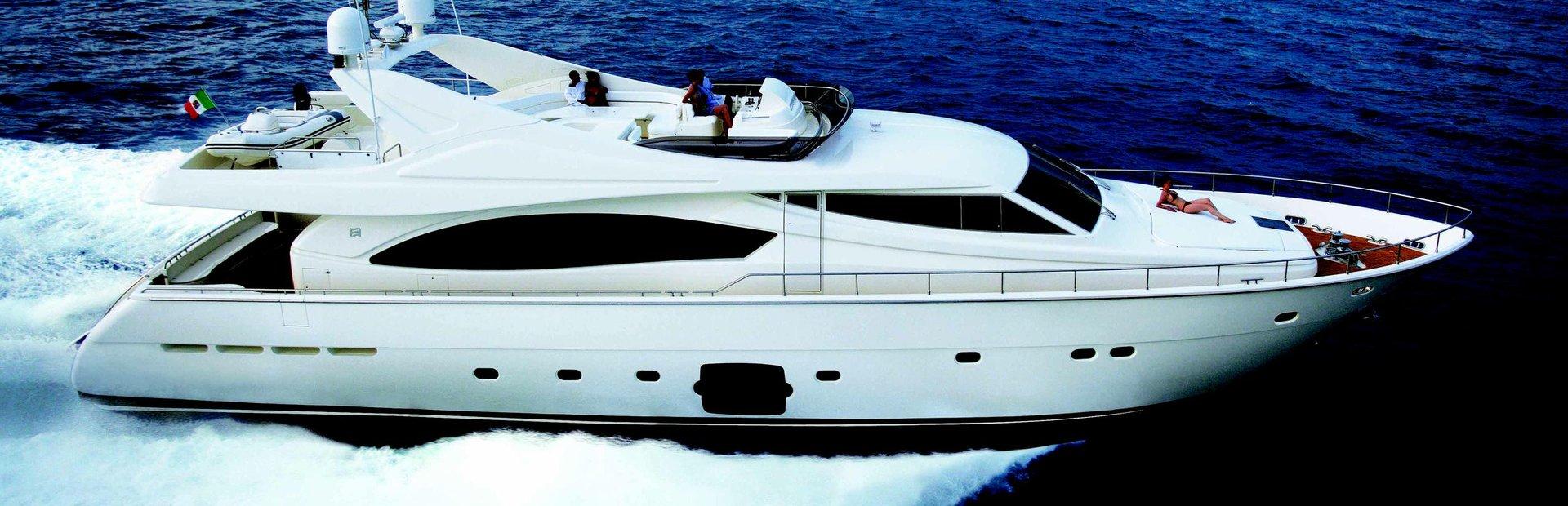 Ferretti Yachts 880 Yacht Charter