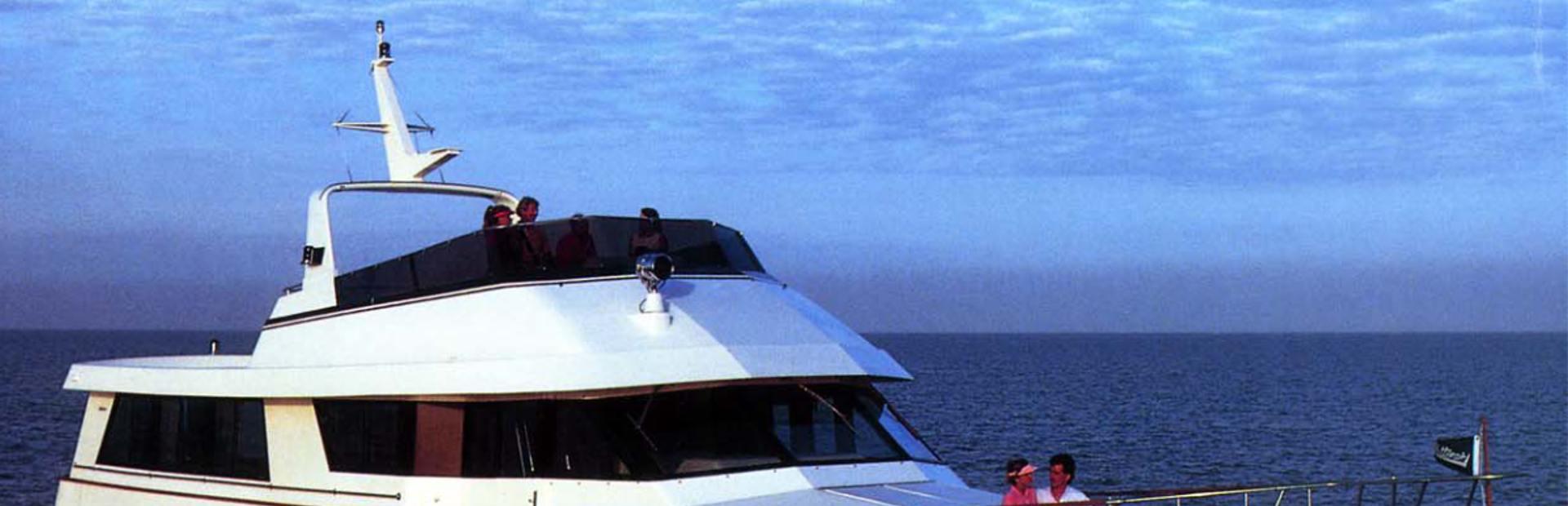Hatteras 65 Motoryacht Yacht Charter