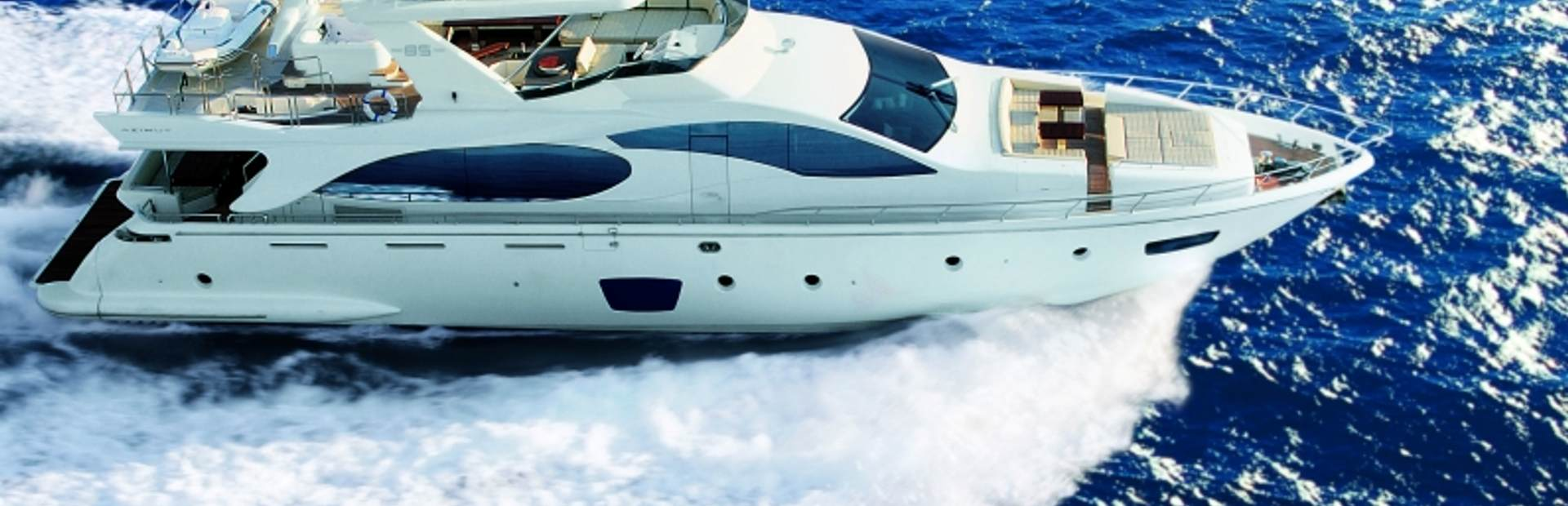 Azimut 85 Yacht Charter