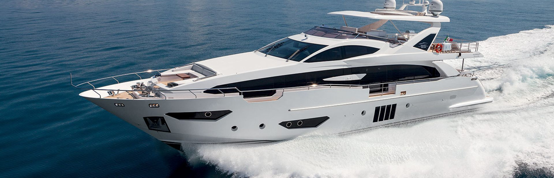 Grande 95 RPH Yacht Charter