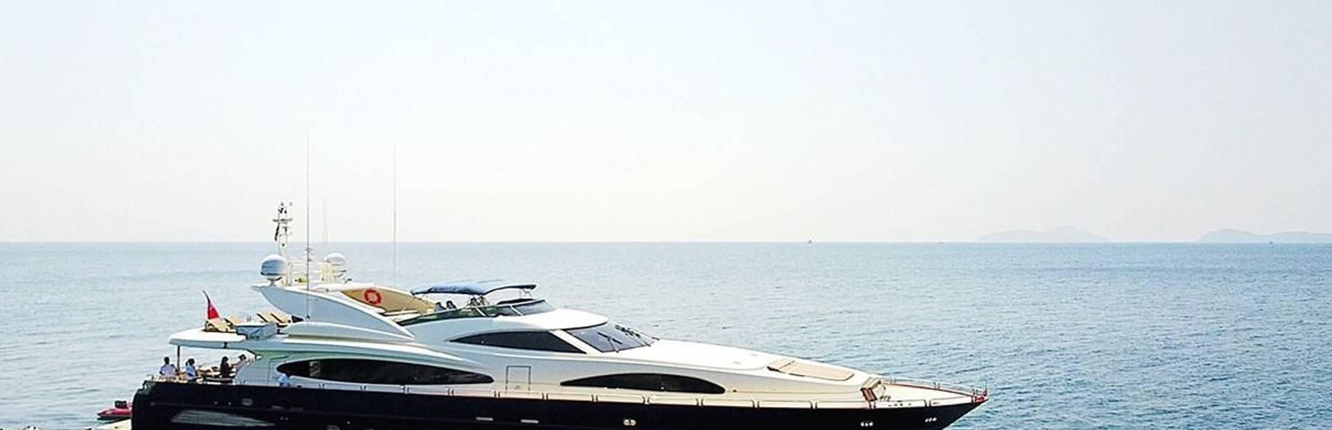 102 GLX Yacht Charter