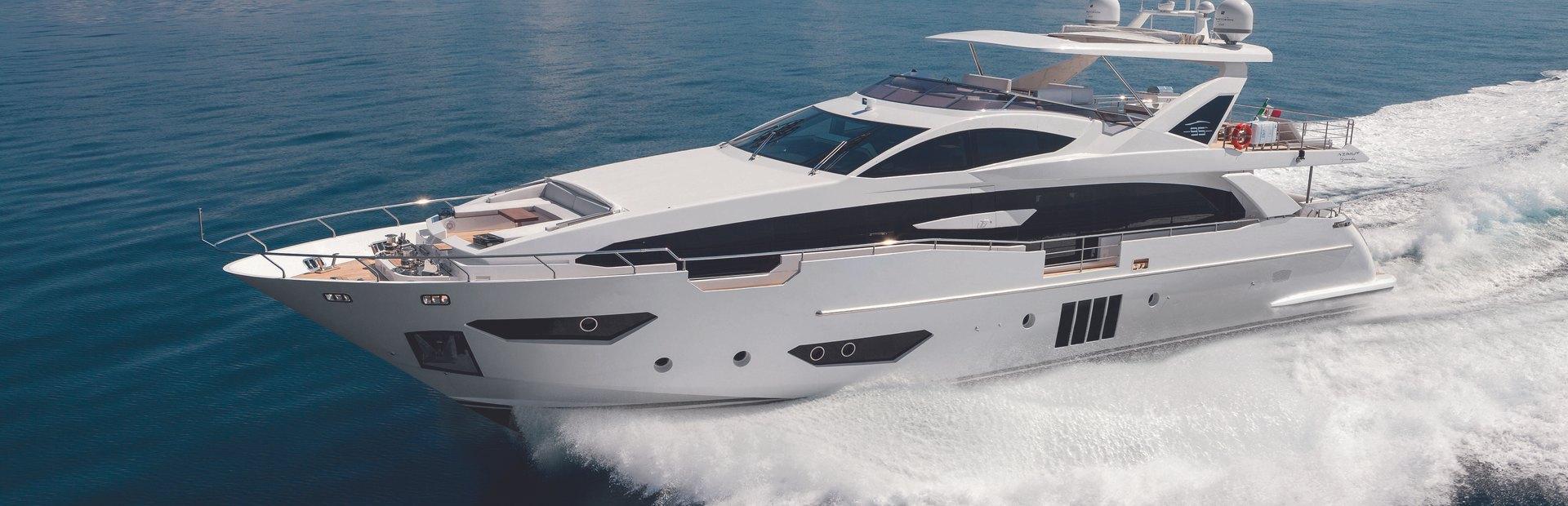 Grande 30 Metri Yacht Charter