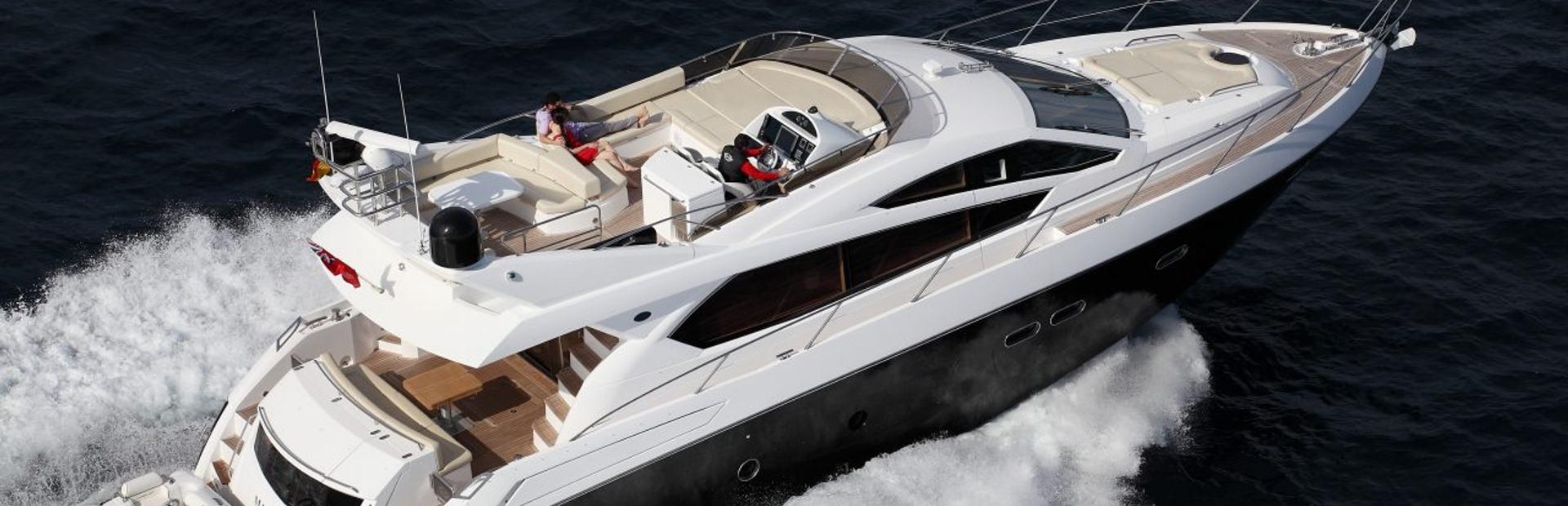Manhattan 63 Yacht Charter
