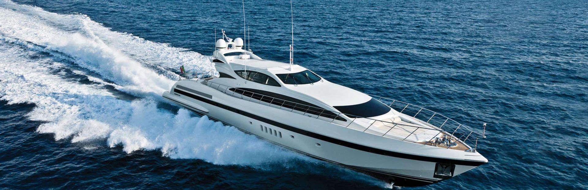 Mangusta 105 Yacht Charter