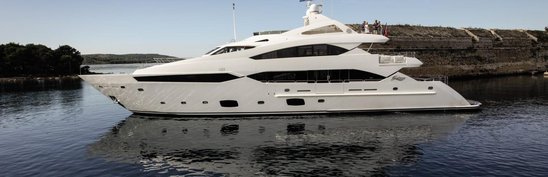 40 Metre Yacht Yacht Charter