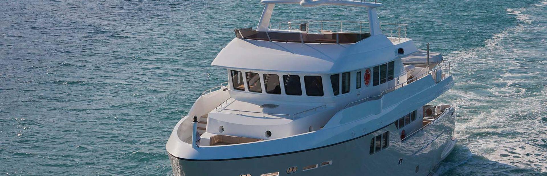 Darwin 86 Yacht Charter