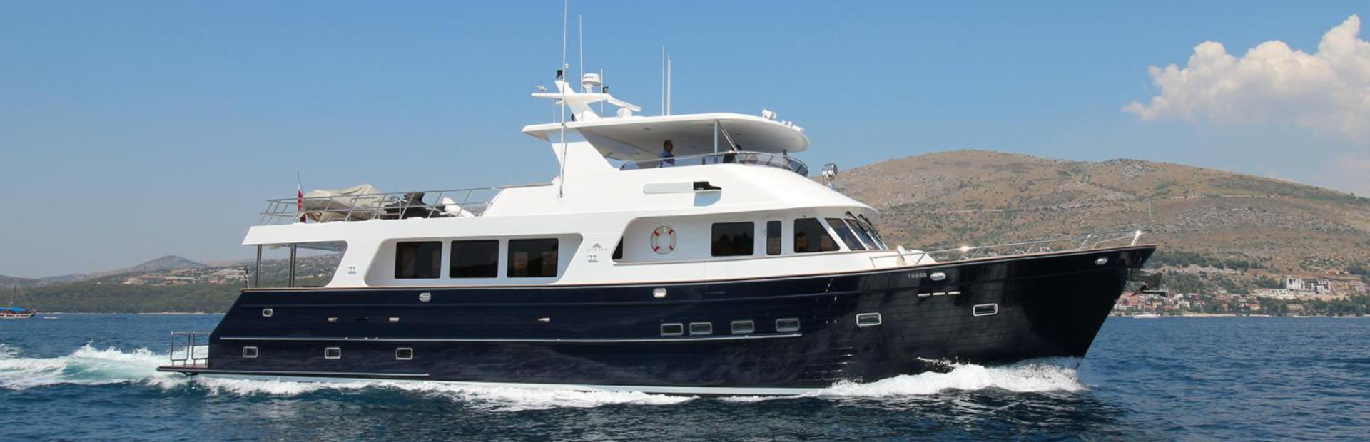 800 / 24m Motoryacht Yacht Charter