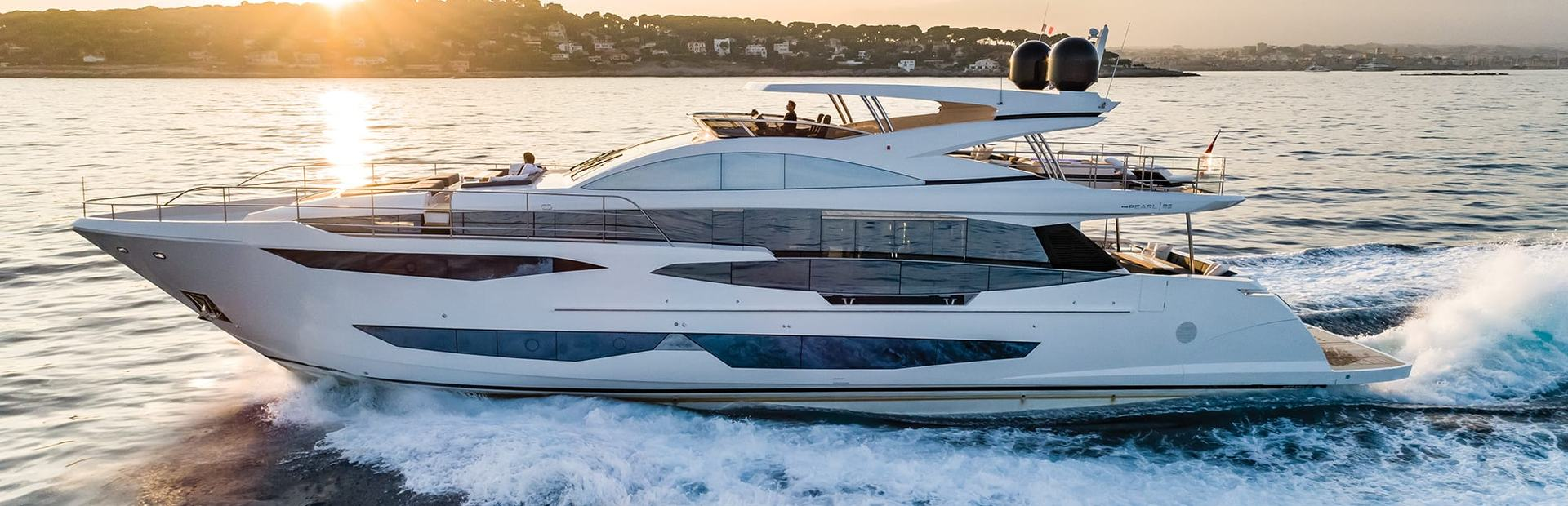 Pearl 95 Yacht Charter