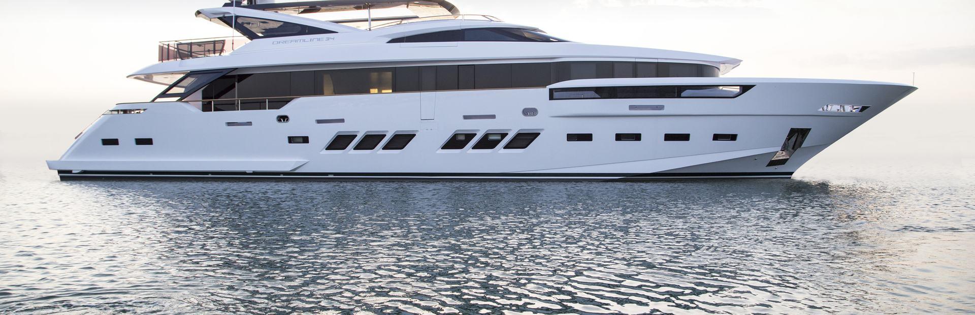 Dreamline 34 Yacht Charter