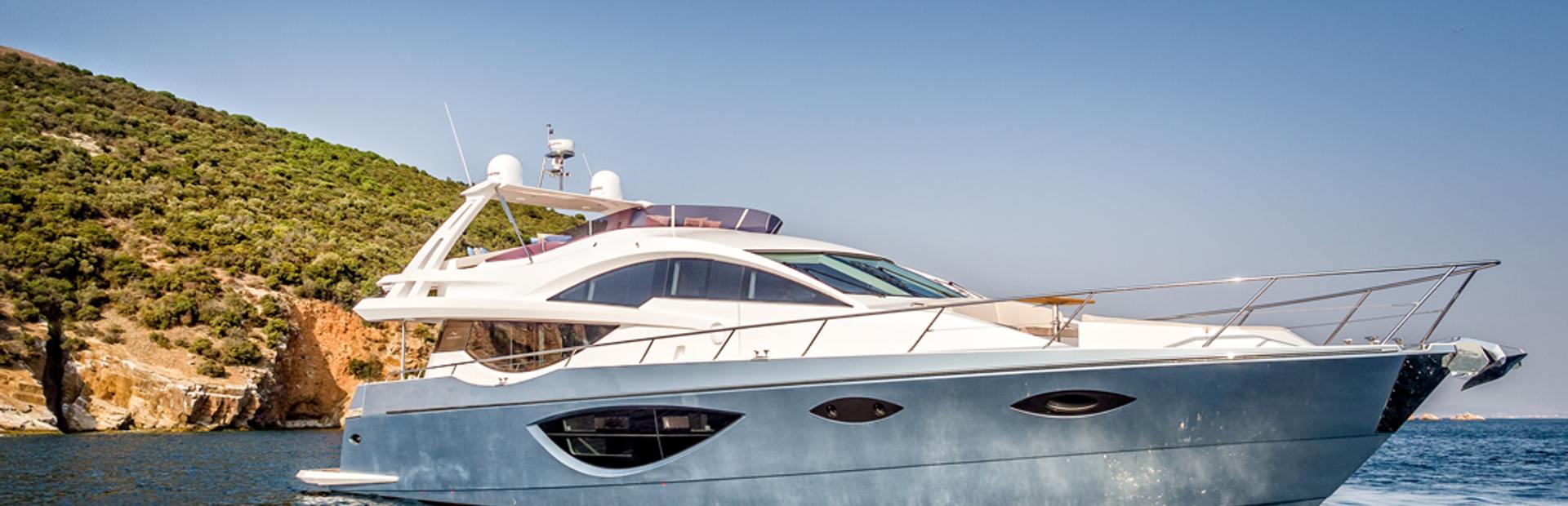 78 Flybridge Yacht Charter