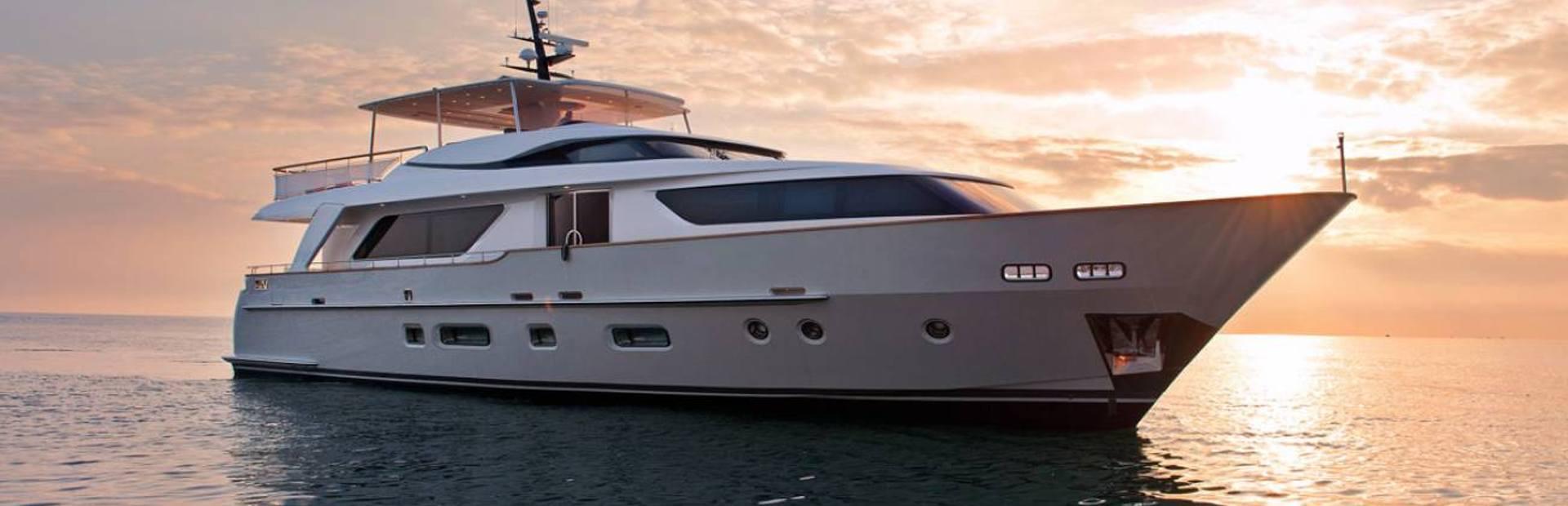 SD92 Yacht Charter