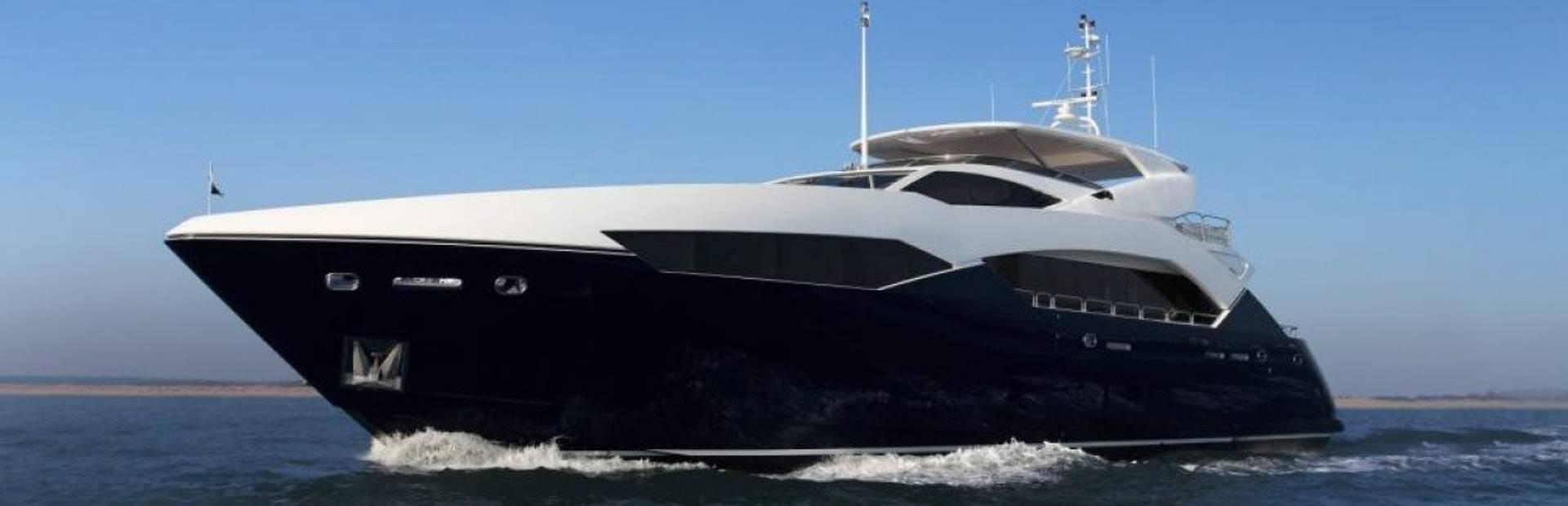 Predator 115 Yacht Charter