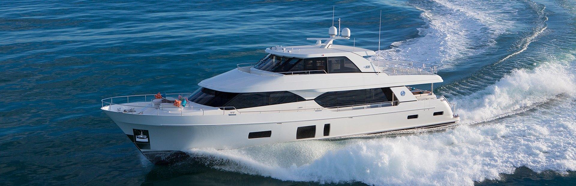 100 Skylounge Yacht Charter