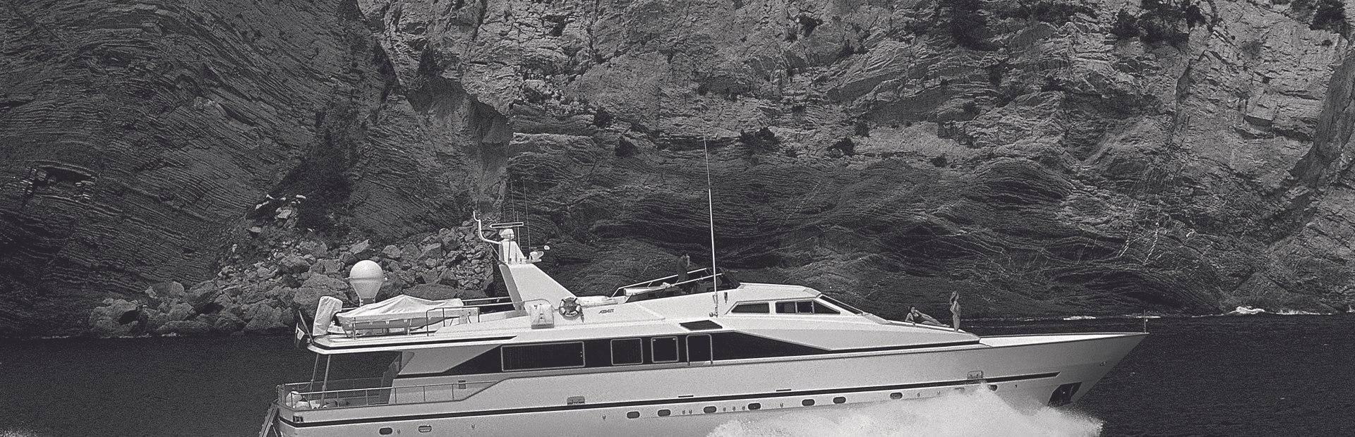 Azimut 90 Yacht Charter