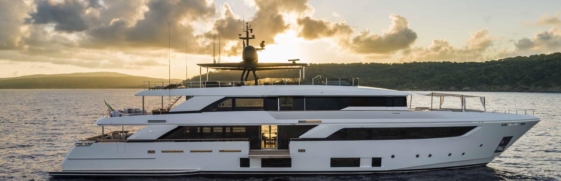 Navetta 42 Yacht Charter