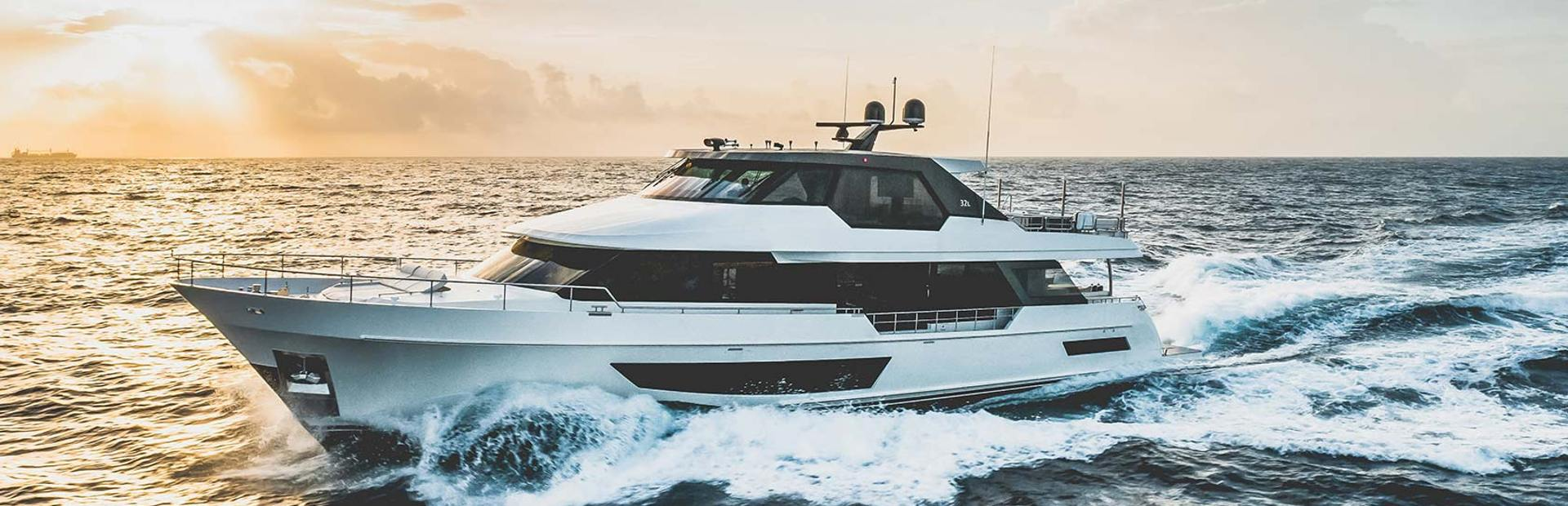 32L Yacht Charter