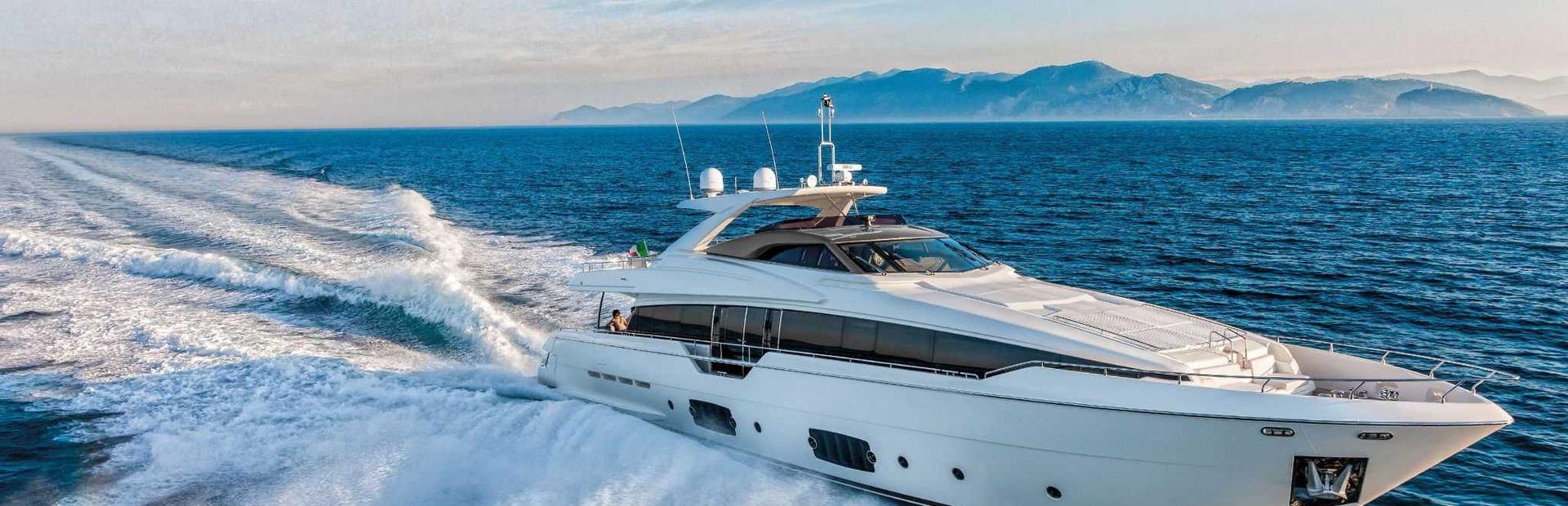 Ferretti Yachts 960 Yacht Charter
