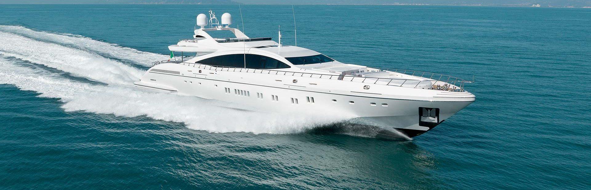 Mangusta 165E Yacht Charter