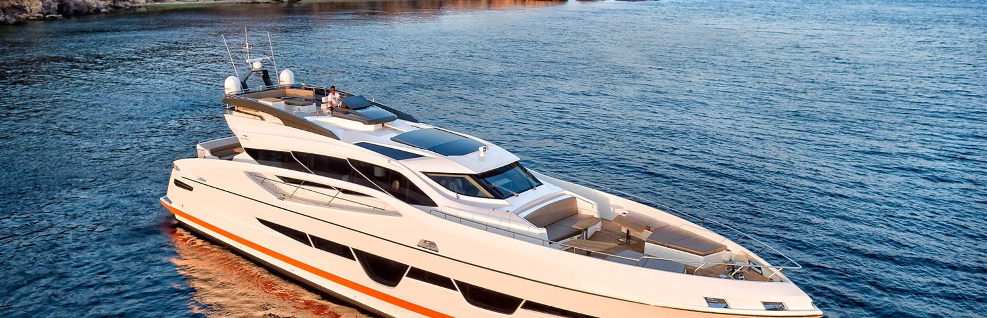 105 Hardtop Yacht Charter