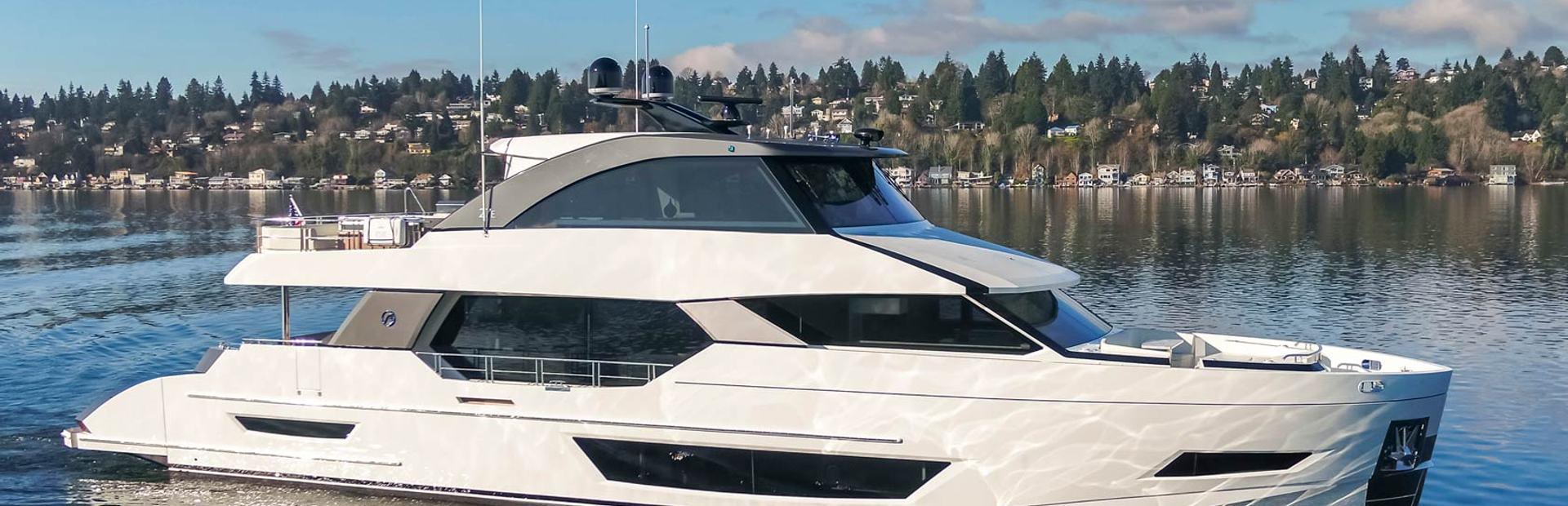 27E Yacht Charter