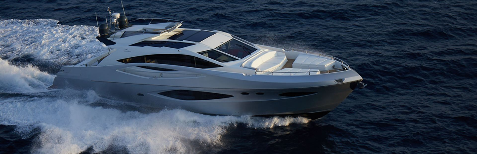 78 HTS Yacht Charter