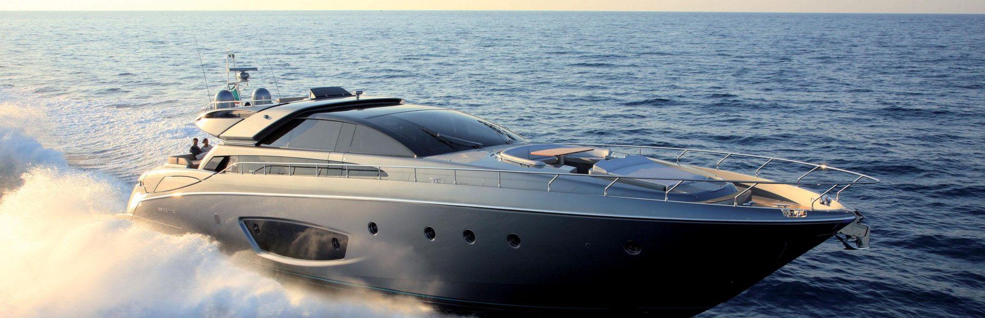 86' Domino Yacht Charter
