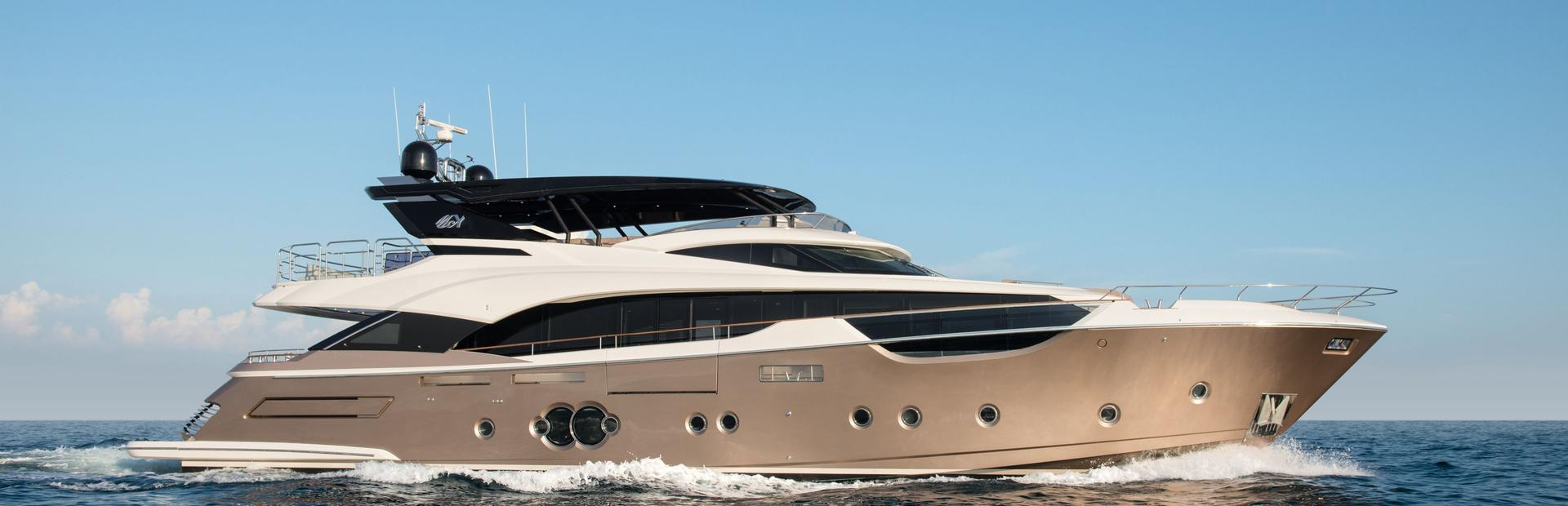 MCY 96 Yacht Charter