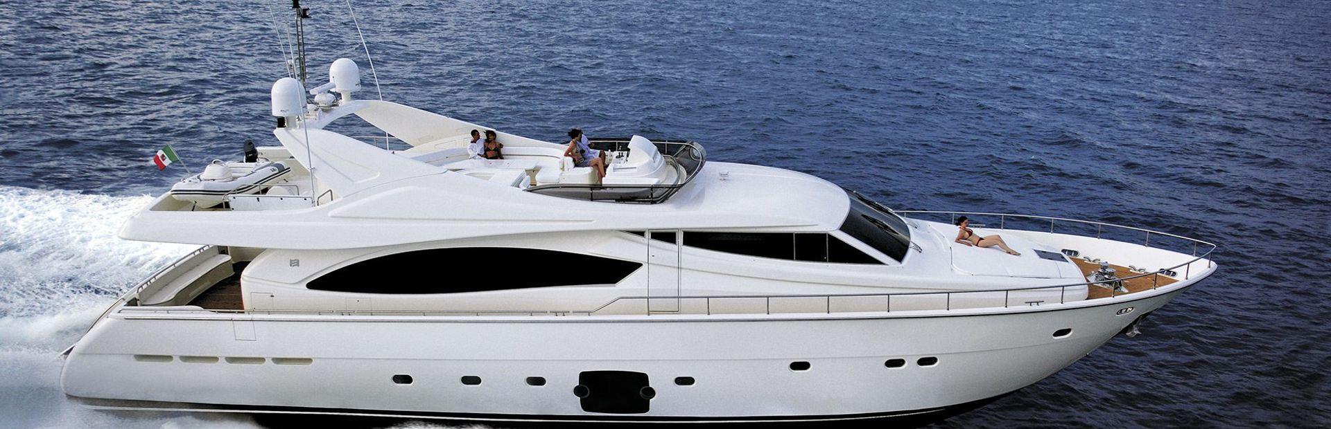 Ferretti Yachts 881 Yacht Charter