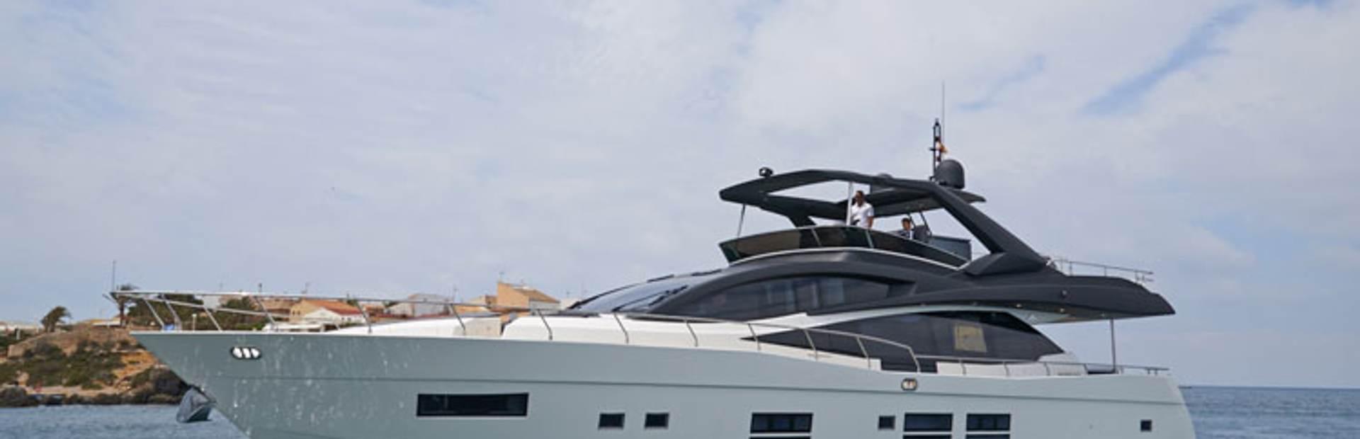 80 GLX Yacht Charter